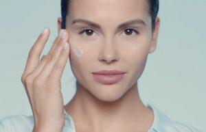 Реклама Nivea Make-Up Expert — Кожа дышит (2019)