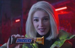 Реклама Snickers с Ивлеевой — Гонки на моноколесах (2020)